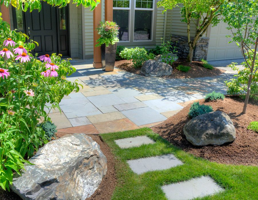 Variegated Dimensional Bluestone Entry